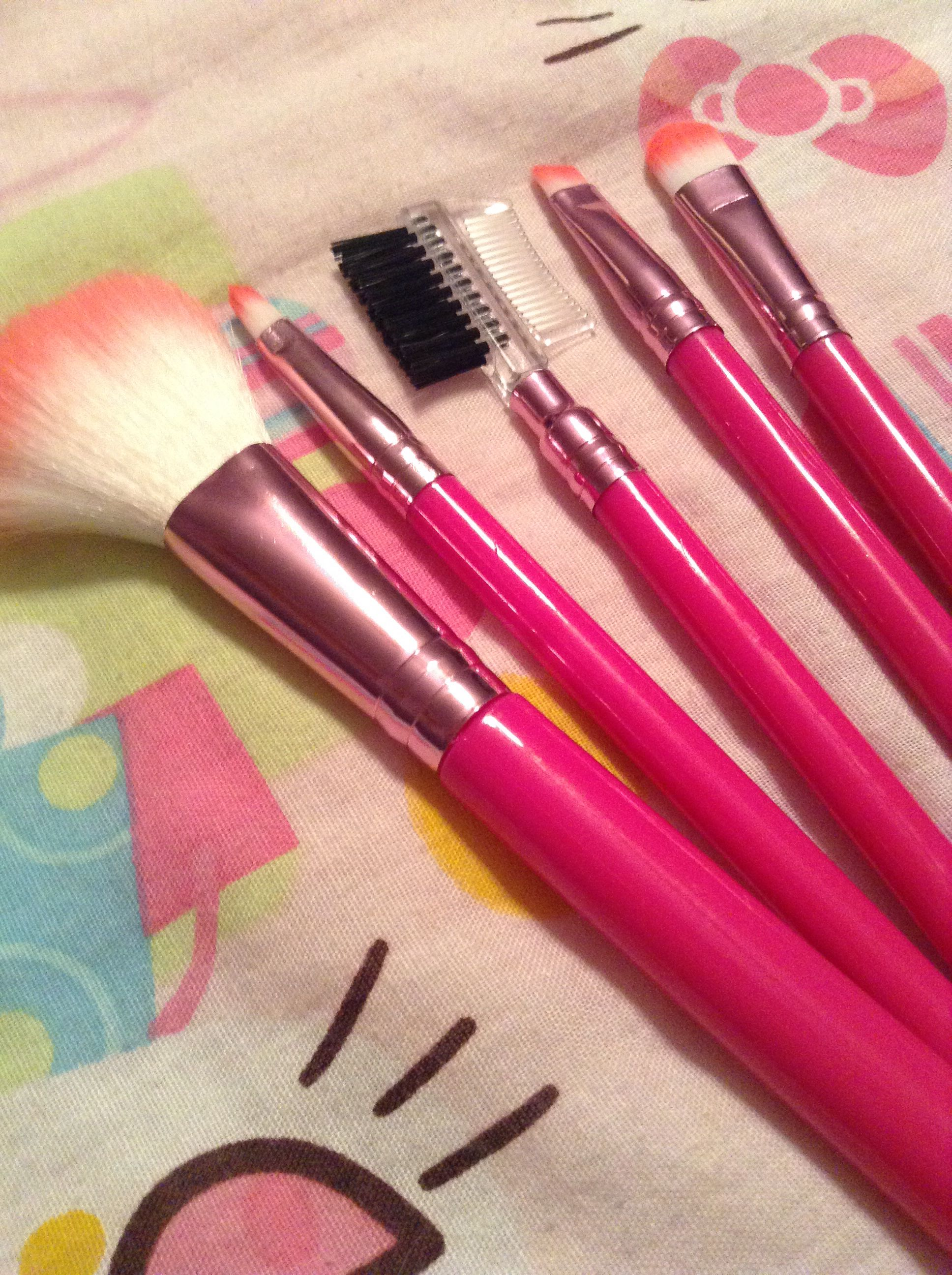My new brushes from Five Below for three USD!! I liked the