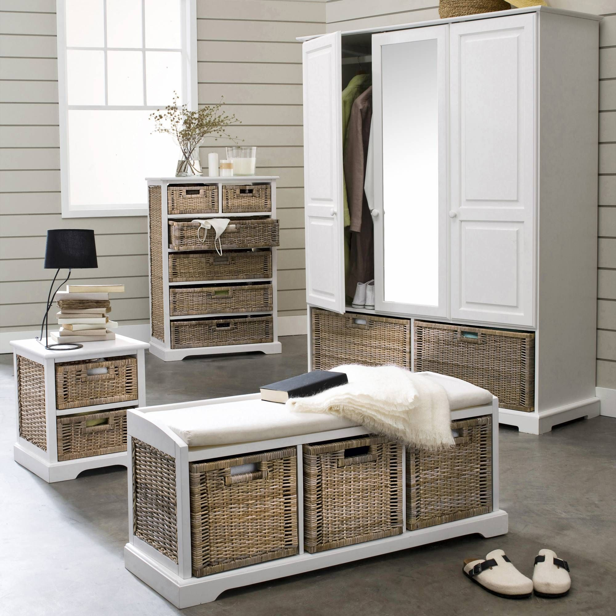 banc de rangement 3 tiroirs en pin massif et kubu kil 3. Black Bedroom Furniture Sets. Home Design Ideas