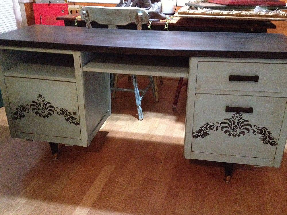 Craigslist Office Desk Makeover | Desk makeover, Desk ...