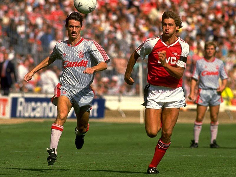 Liverpool striker Ian Rush takes on Arsenal defender Tony Adams during the 1989 Charity Shield at Wembley. #LFC #legend