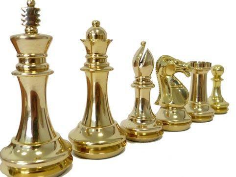 pi ces de jeu d 39 checs roi john en laiton antique chess sets pinterest laiton roi et. Black Bedroom Furniture Sets. Home Design Ideas