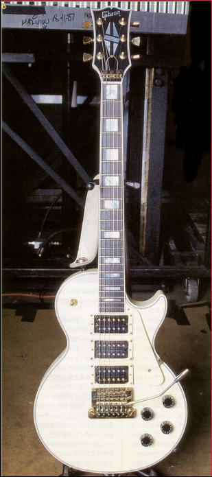 Steve Clark S Def Leppard Les Paul Custom With A Kahler 2200 Tremolo Electric Guitar Guitar Les Paul