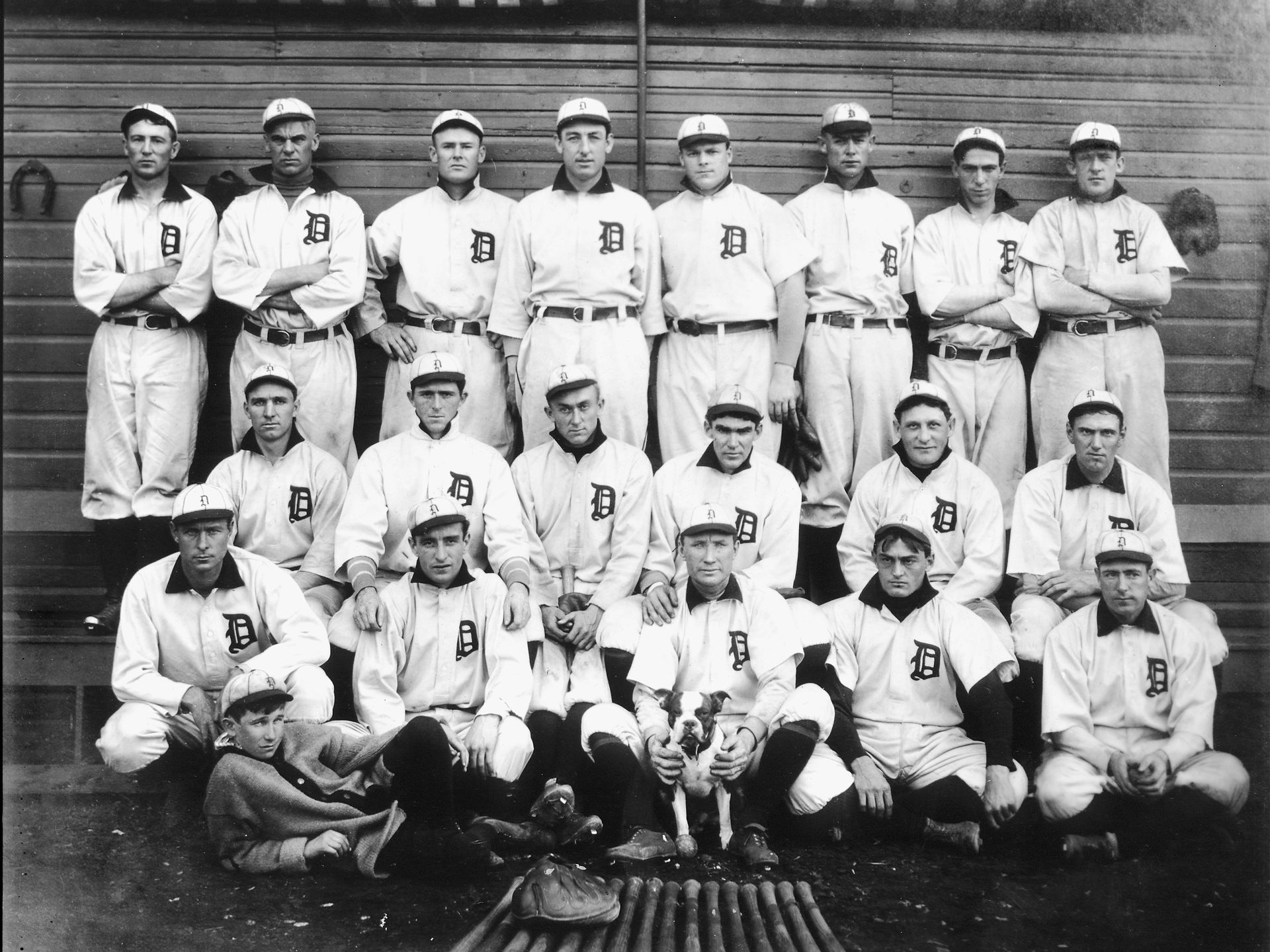 The Tigers first World Series team poses for a picture at