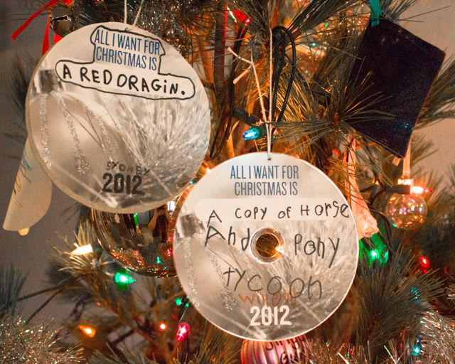 recycled CD wish-list ornaments--what adorable memories they would make! #recycledcd