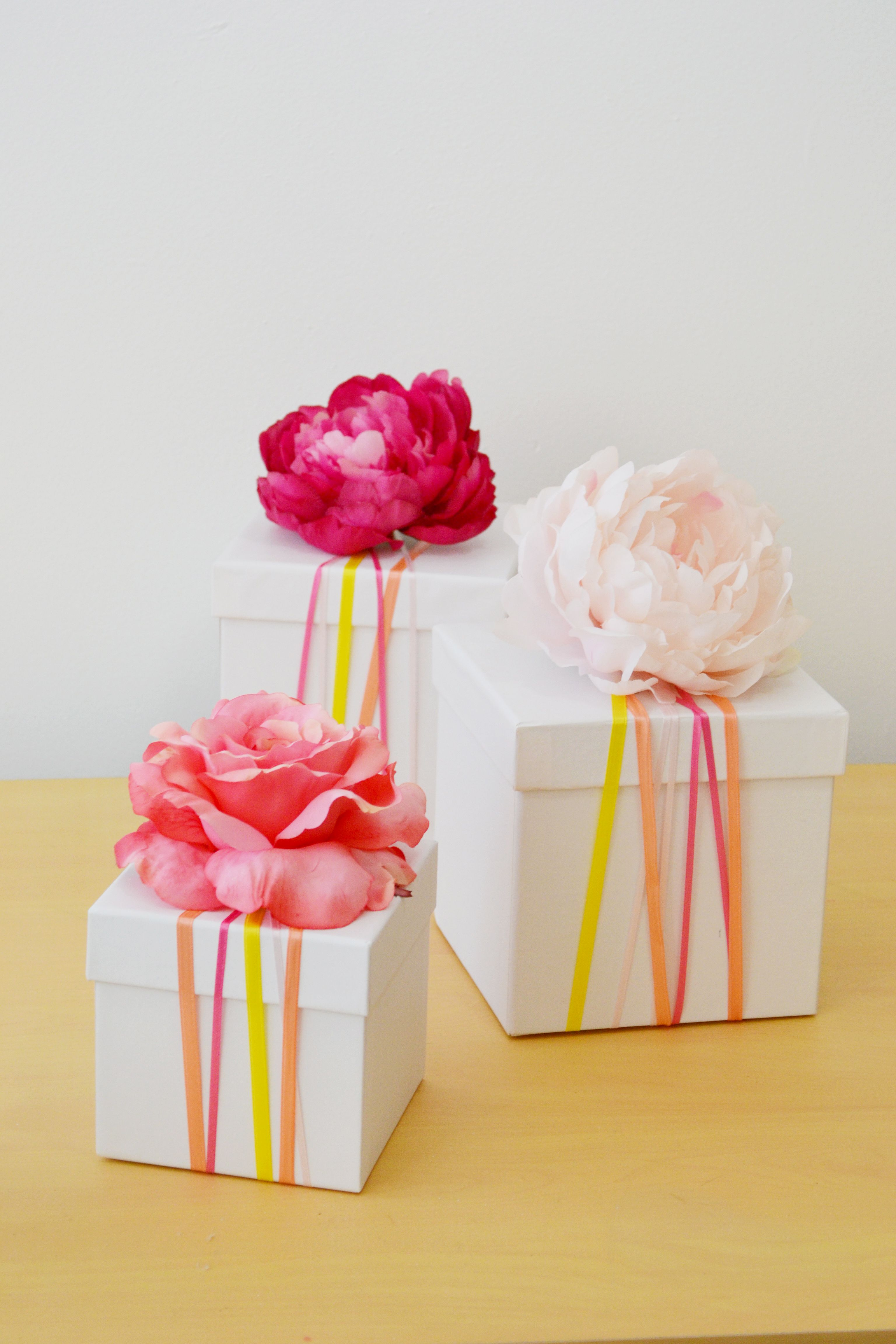DIY Gift Wrapping Ideas With Ribbon | Gift box | Gift wrap box, Gift