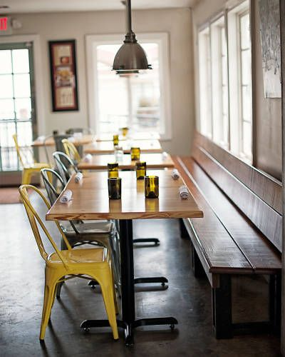 Cafe Bench Seating: Travel Guide: Memphis, Tennessee