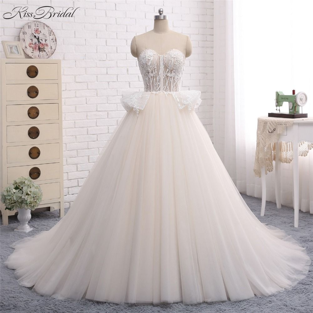 Gorgeous new long wedding dress sweetheart neck off the