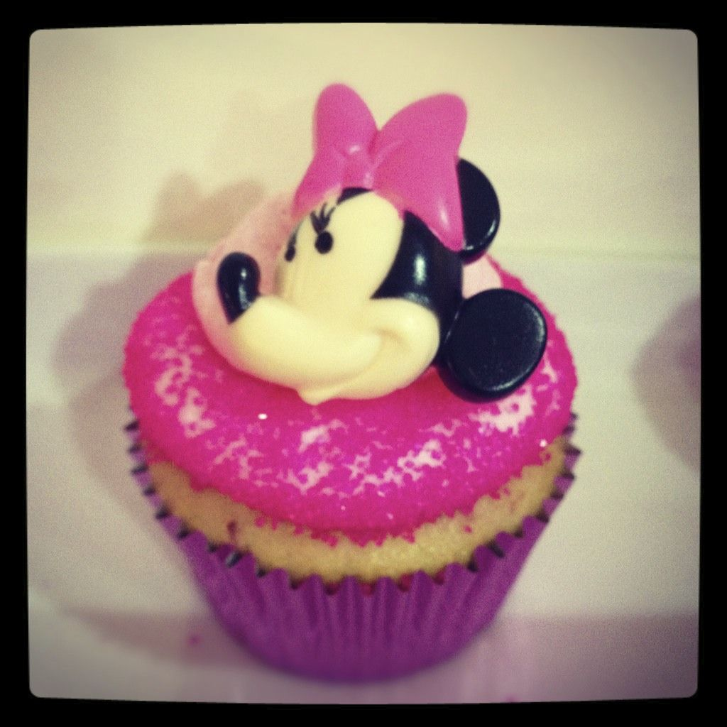 Minnie Mouse themed sweets!