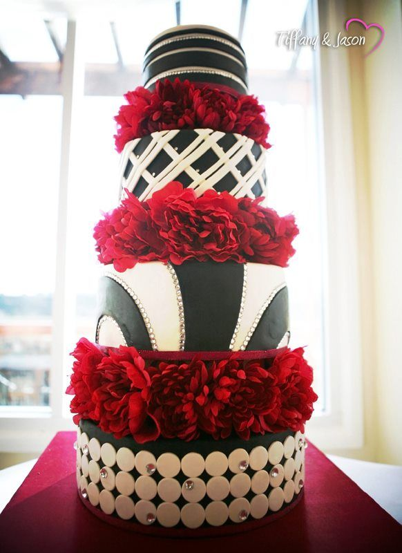 Black white wedding cake with rhinestones and red flowers how to black white wedding cake with rhinestones and red flowers how to freeze the top layer of mightylinksfo Image collections
