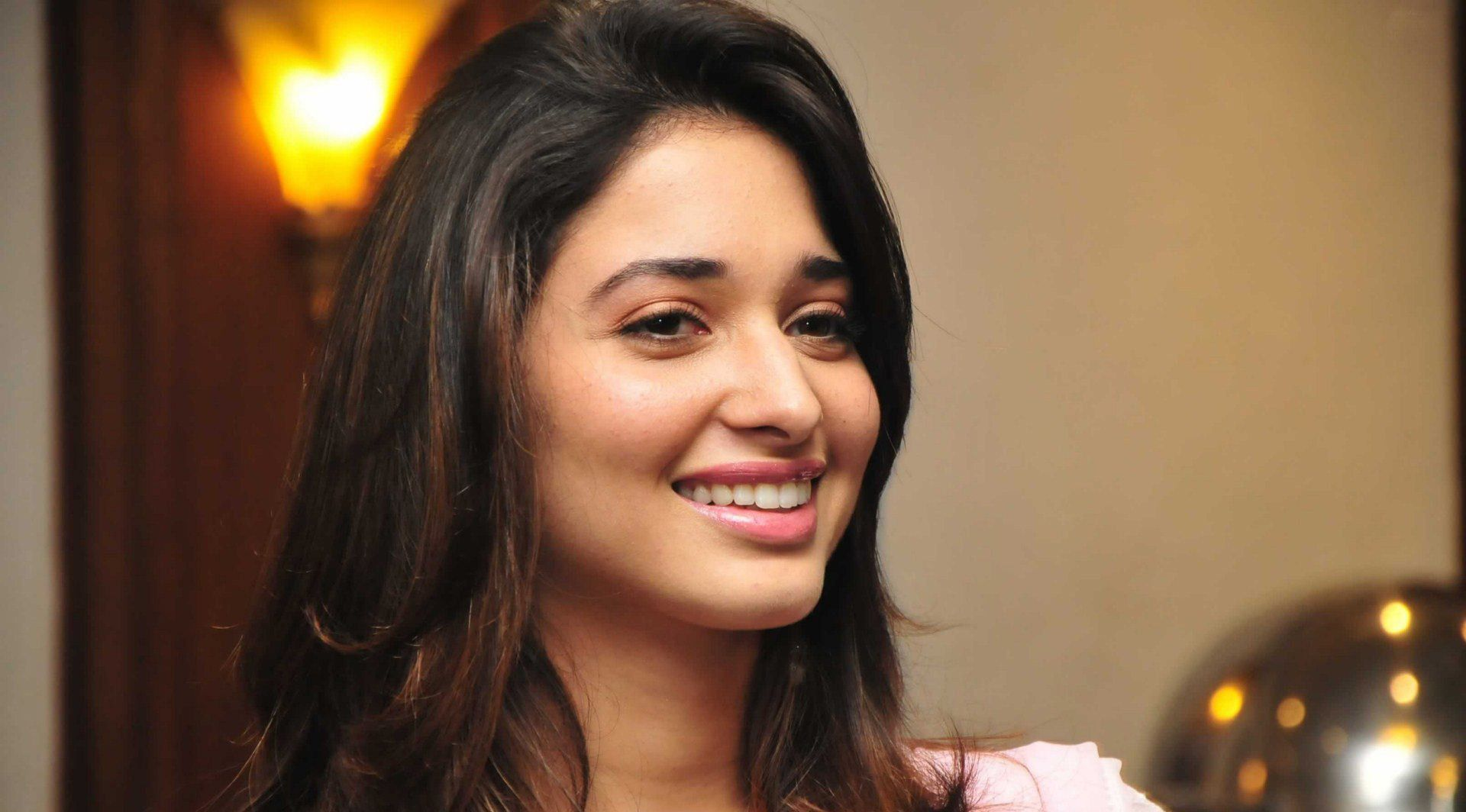 Smiling tamanna Bhatia HD wallpaper for download