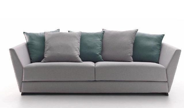Sofá en gris de tela muy cómodo y combinable