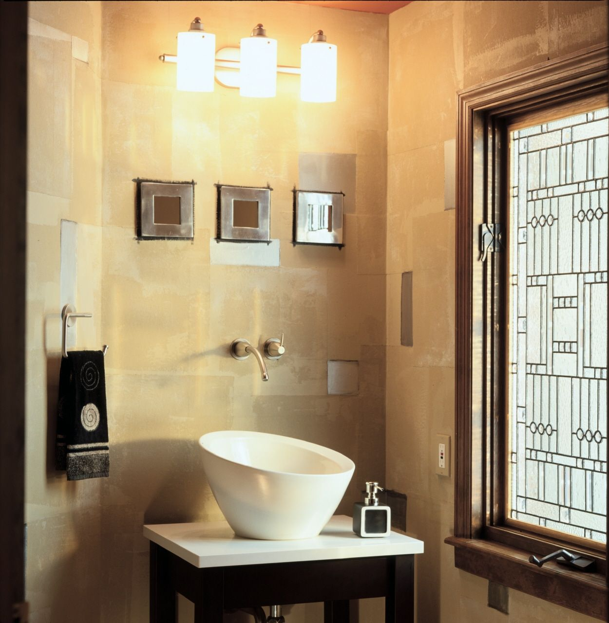 9 Great Design Ideas for Half Baths and Powder Rooms | Pinterest ...
