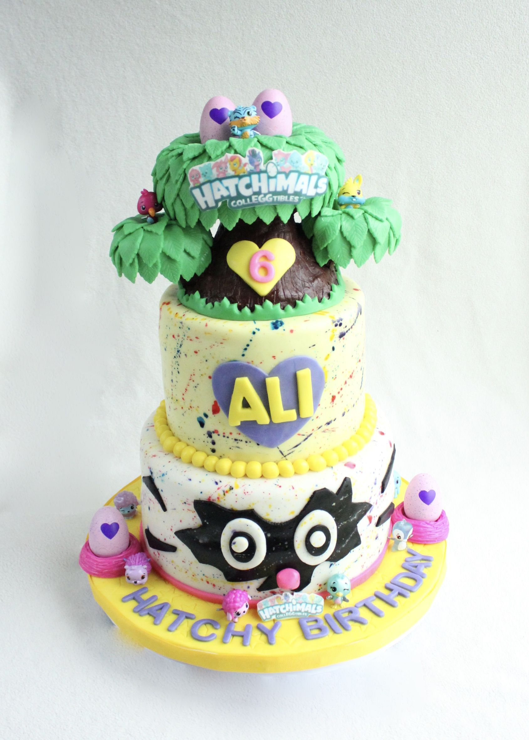 Hatchimal Colleggtibles Birthday Cake With Nursery Tree