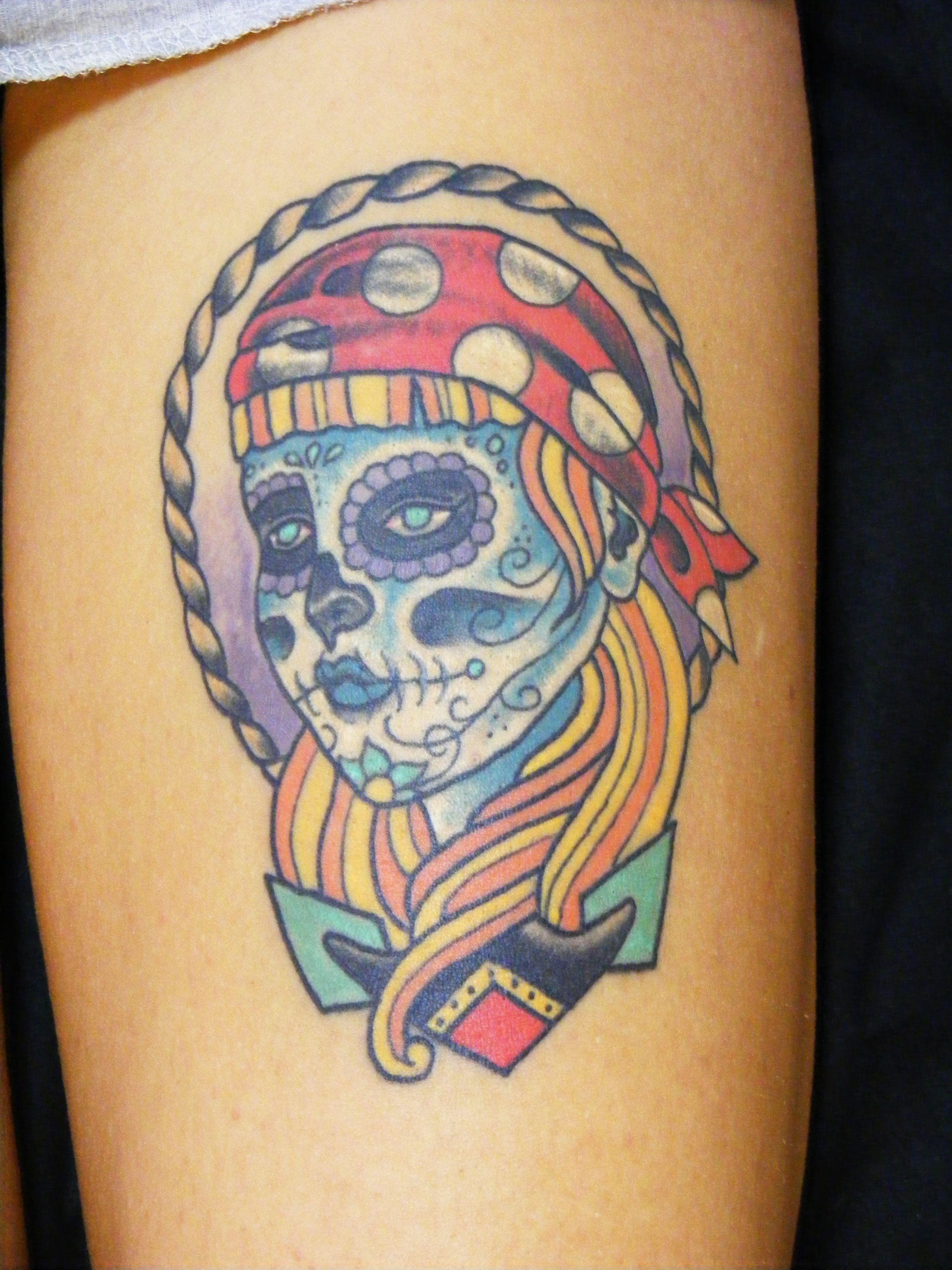 Tattoo old school tatuaggi old school pin up significato e foto quotes - Piratessa Tradizionale Su Coscia Old School Pirate Woman Head On Thigh Tattoo Taditionaltattoo