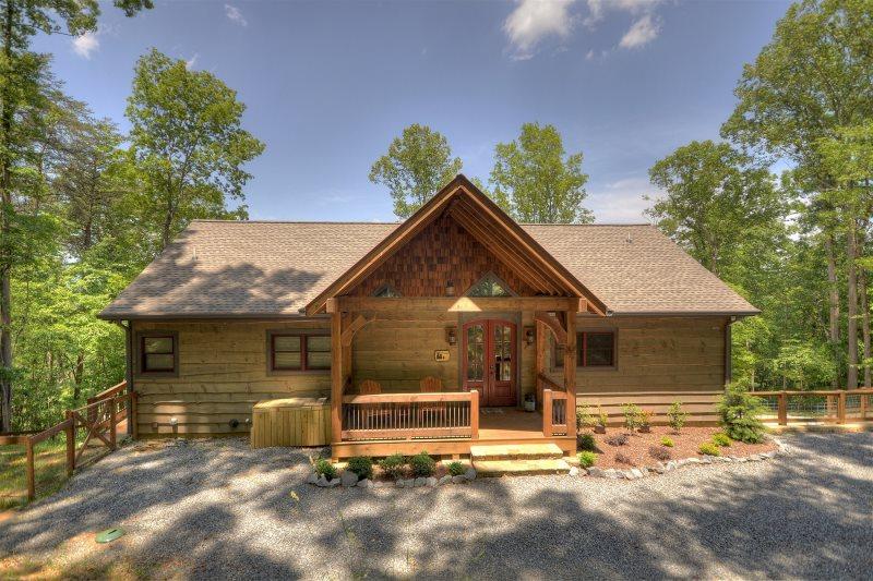 Almost Like Home In Blue Ridge North Ga Cabin Rental Mountain Cabin Decor North Ga Cabin Rentals Cabin