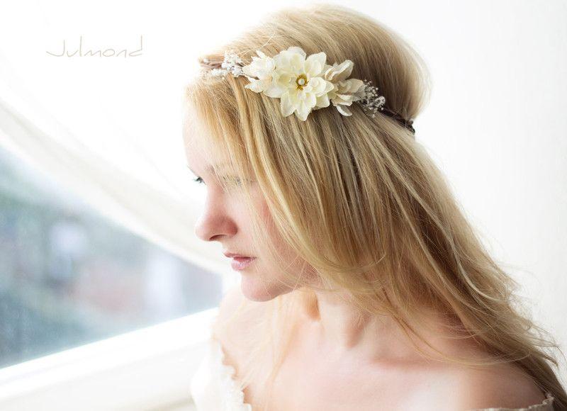 Haarschmuck+Blumenkranz+Brautkranz+Blumenkrone+von+Julmond+auf+DaWanda.com