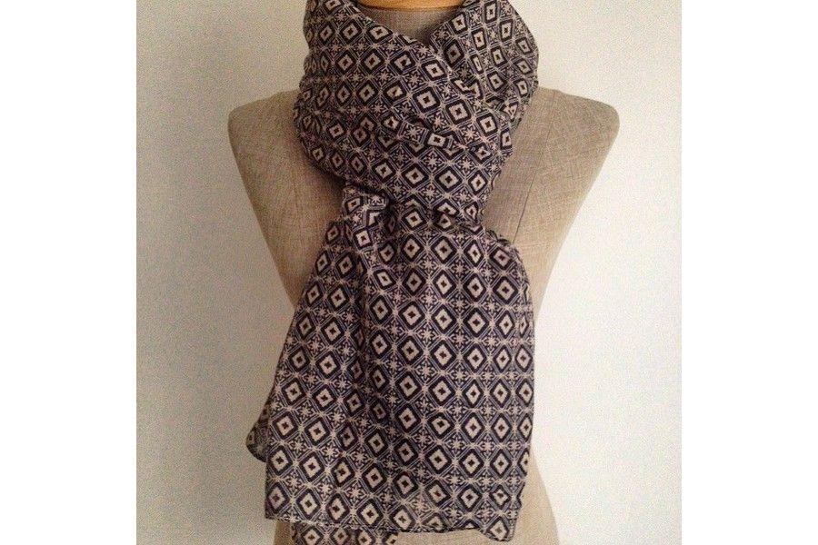 Echarpe en coton pour femme echarpe noire laine   Travauxchezvous ab99d3fb764
