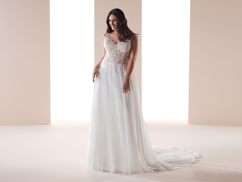 Moda Sposa 2019 Collezione Nicole Curves Cvab19704 Abito Da Sposa Nicole Abiti Da Sposa Per Formose Abiti Da Sposa Abito Da Sposa A Tubino