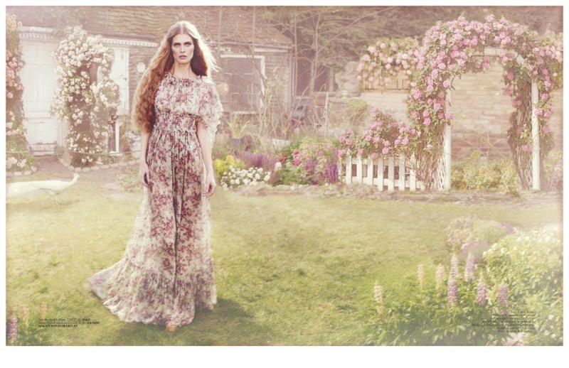 Malgosia Bela for Vogue Turkey April 2011 by Cüneyt Akeroğlu