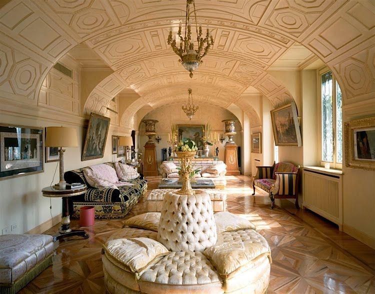 Bittersweet vogue donatella versace 39 s house dr am h m pinterest house interiors - Villa de vacances vogue interiors ...