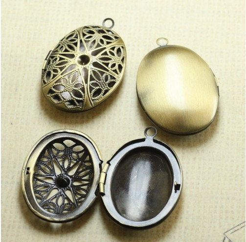 3 Pieces of 25X38MM Filigree Locket oval brass by Chinadiyshop, $10.00
