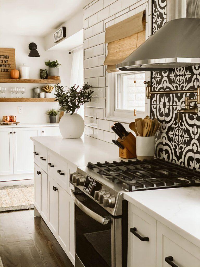 Modern Farmhouse Kitchen using Semihandmade Supermatte White Shaker cabinet fronts