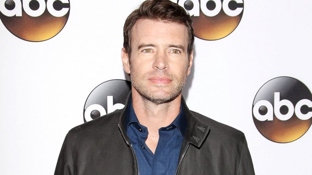 Scott Foley is no stranger to shirtless scenes.