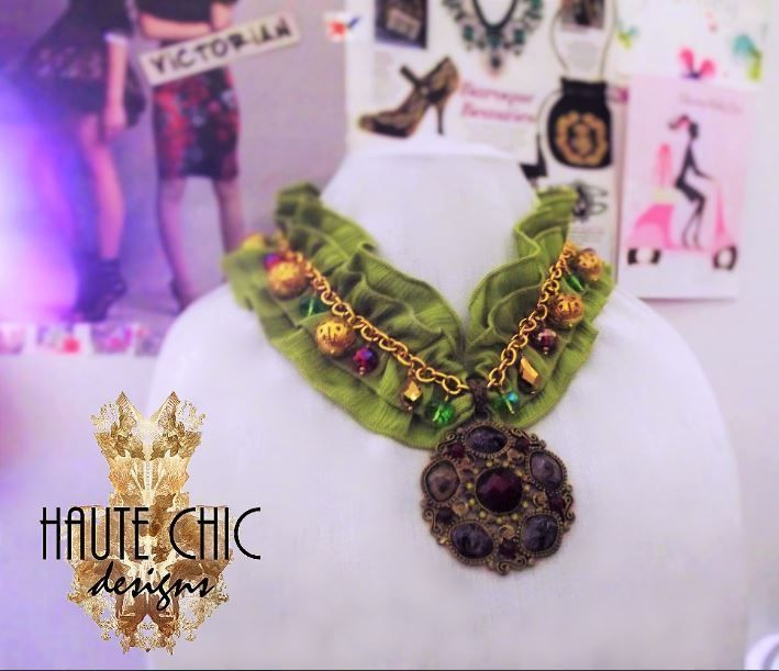 Jeweled Green Ruffles Victorian Inspired Collar Necklace with Vintage Pendant #TheHauteChicCollection #Victorian