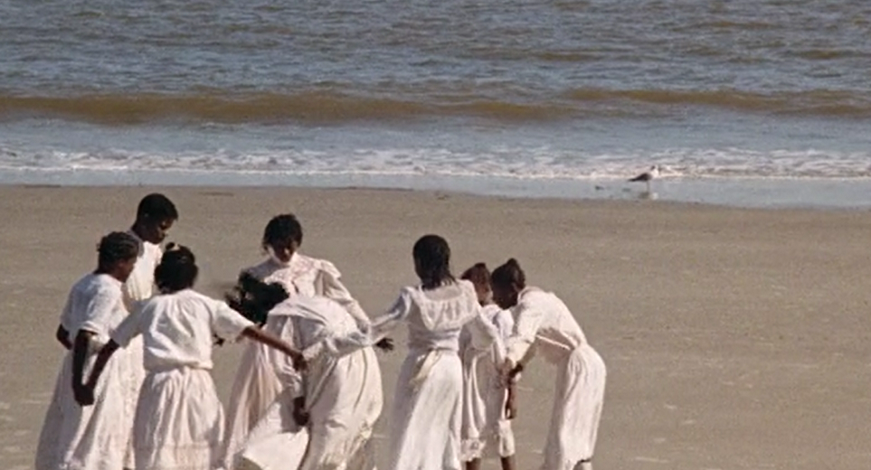 Daughters of the Dust (1991) in 2020 | Film aesthetic, Historical film,  Film inspiration