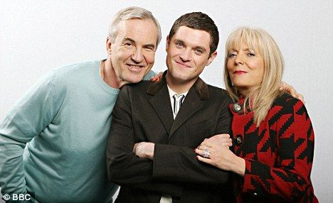 Gavin And Stacey Star Larry Lamb Reveals He S Going Deaf
