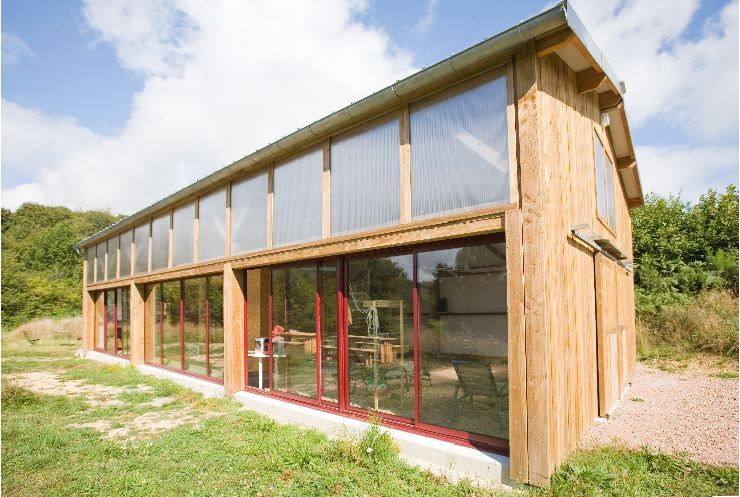R interpr tation hangar agricole wooden houses house styles garage doors et house - Maison hangar metallique ...