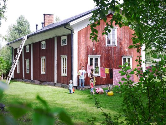 A traditional western Finland-style house from the 1800's. My dad and his brothers and sisters grew up in a house like this.