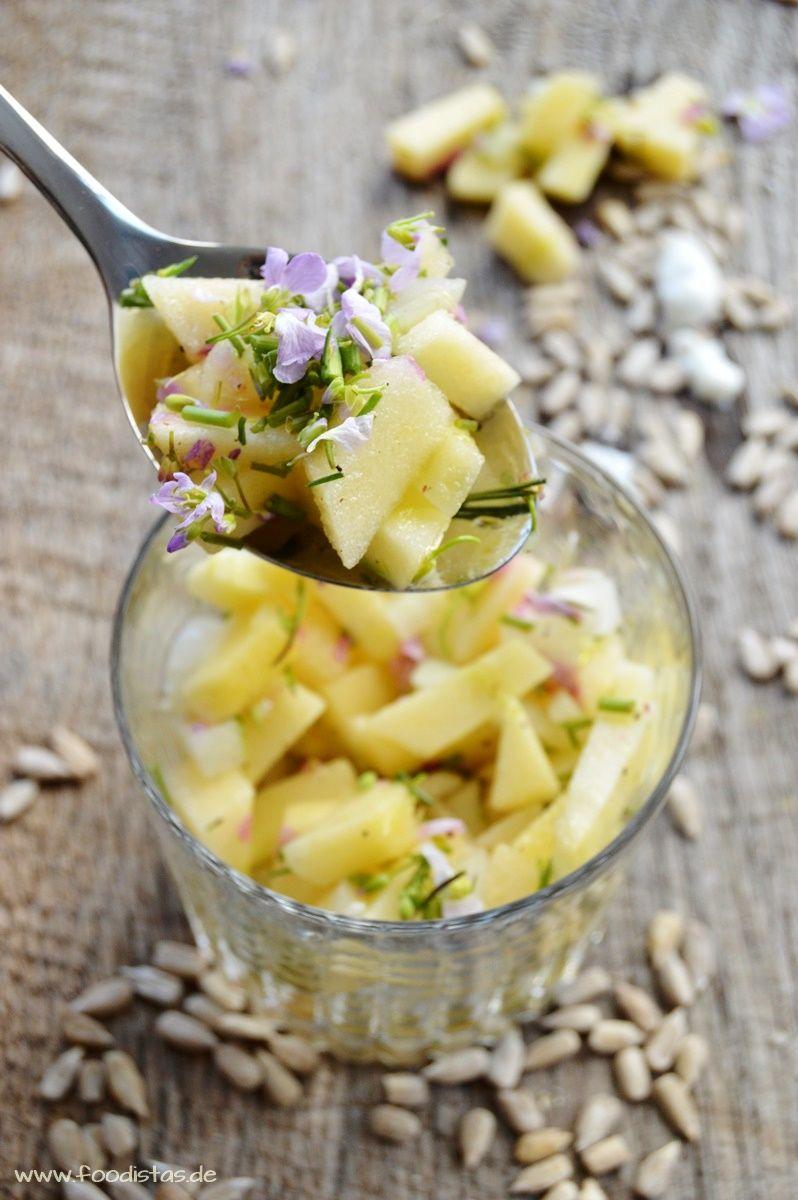Apfelsalat mit Wiesenschaumkraut dazu ofenfrische ...