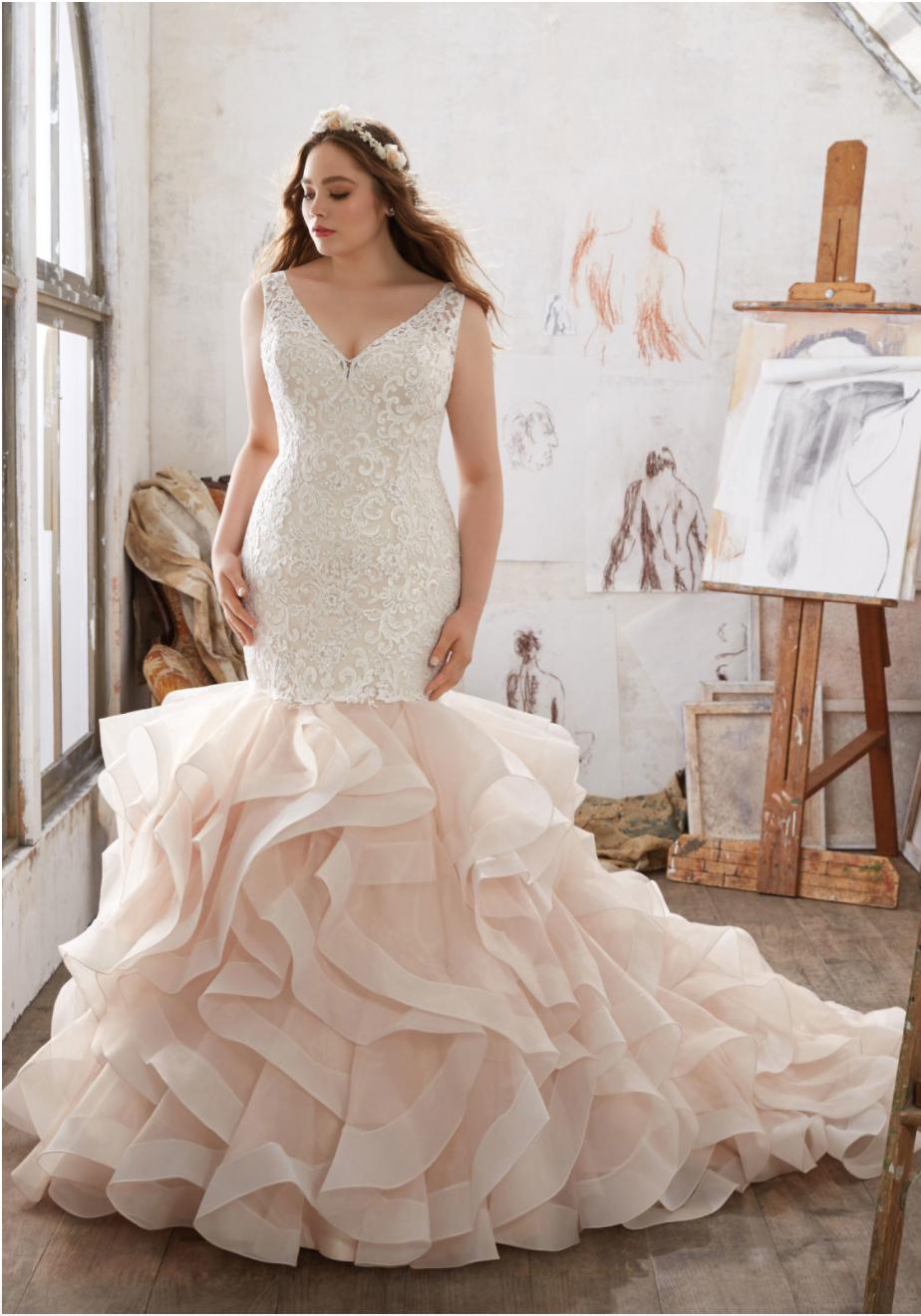 Where to Find Amazing Plus Size Wedding Dresses   Curves, Wedding ...