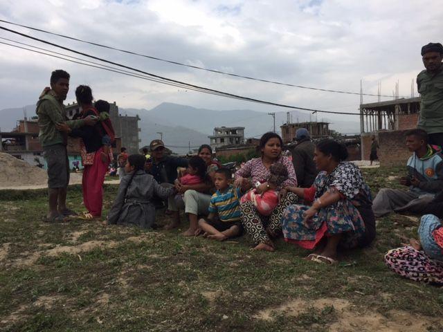 Op zaterdag 25 april werd Nepal getroffen door een zware aardbeving: 7.8 op de schaal van Richter. De ravage is enorm: huizen, wegen en communicatielijnen zijn verwoest.  Help Nepal: https://www.plannederland.nl/resultaten/noodhulp/aardbeving-in-nepal