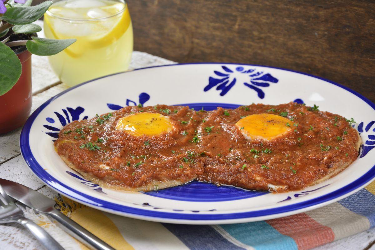 Huevos rancheros caseros receta huevos rancheros for Almuerzos faciles caseros