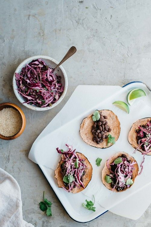 mole black bean tacos w/ cabbage + cilantro slaw | dolly and oatmeal #vegan #glutenfree / Wholesome Foodie <3