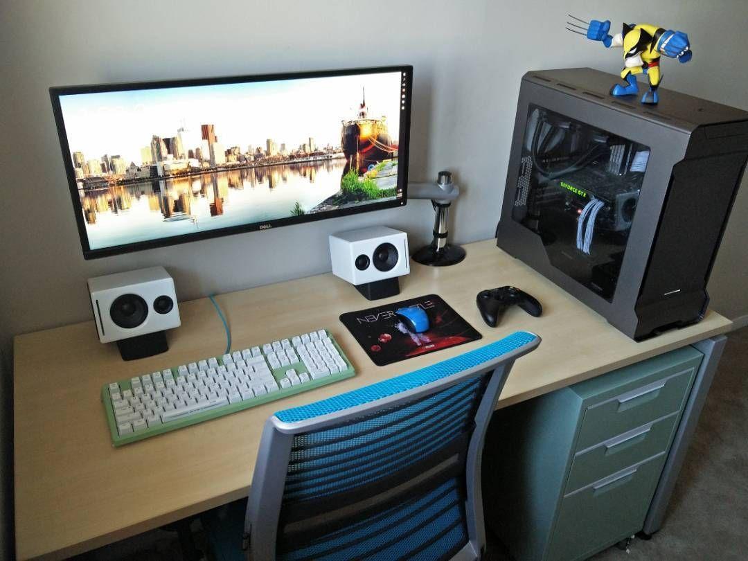 See This Instagram Photo By Trademarkedsetups 731 Likes Computer Desk Setup Gaming Room Setup Computer Setup