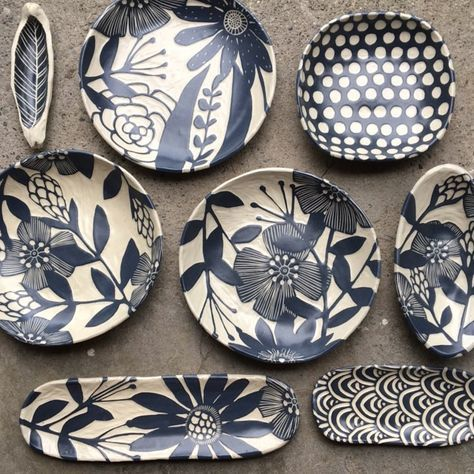 Some new floral designs... #pottery #ceramics #sgraffito #potterypaintingdesigns
