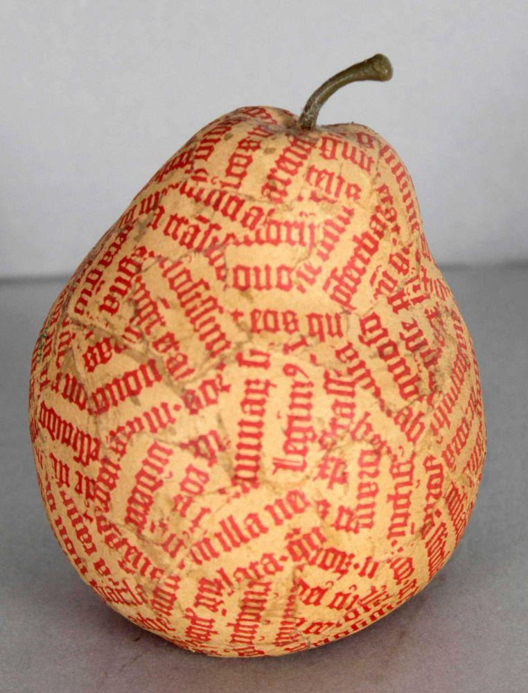 Jiri Kolar (Protivin 19142002 Prag) Birne, Objektcollage aus typographisch in Rot gestaltetem Papier