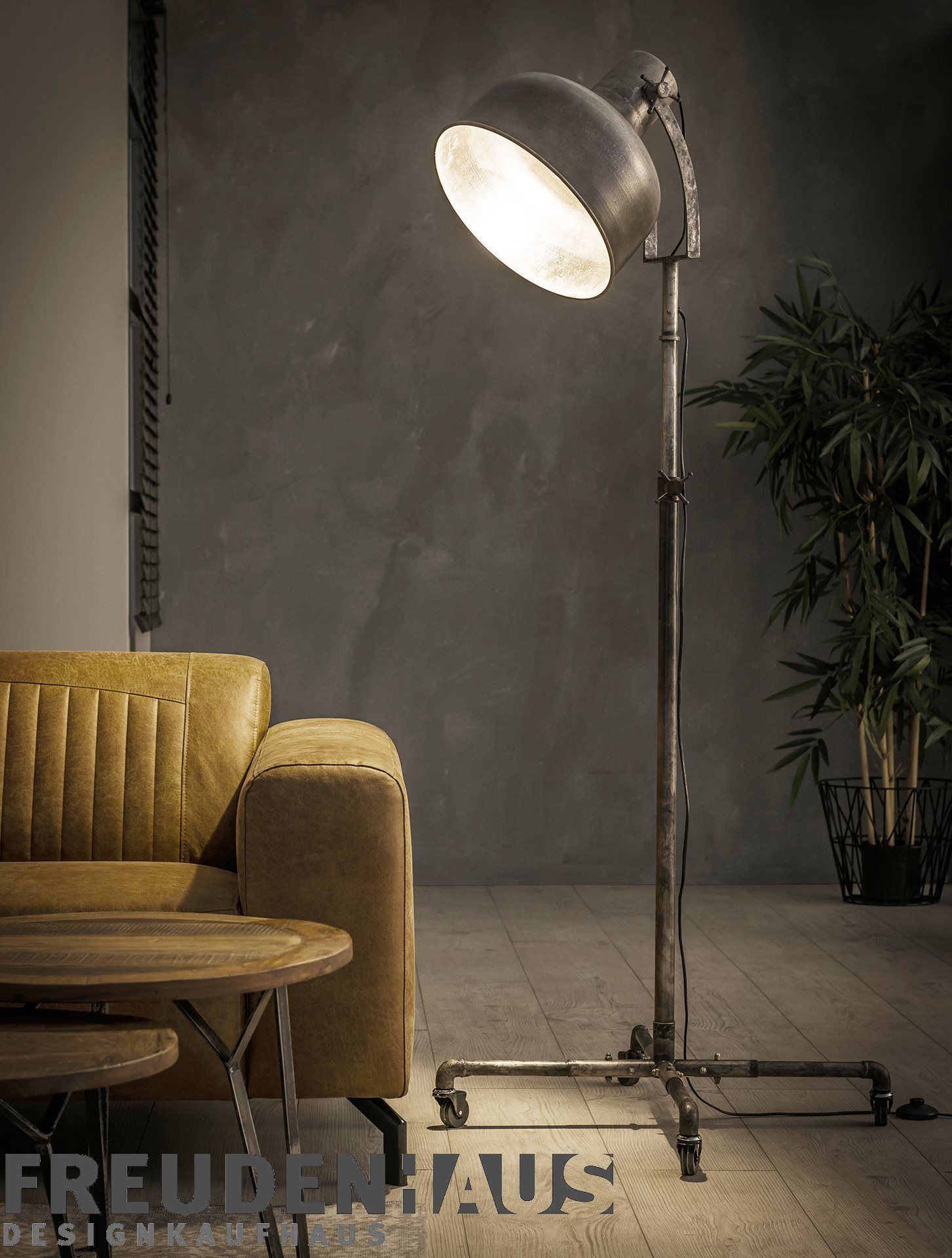 Stehlampe Gotham Industrial Vintage Silber Auf Radern Stehlampe