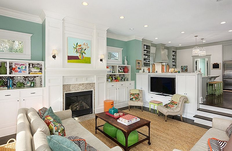 classic step-down living room with smart pops of bright color, Innedesign