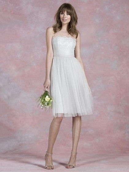 Elegant Scoop Neck Ivory Lace Tulle Sashes/Ribbons Knee-length Bridesmaid Dresses in UK