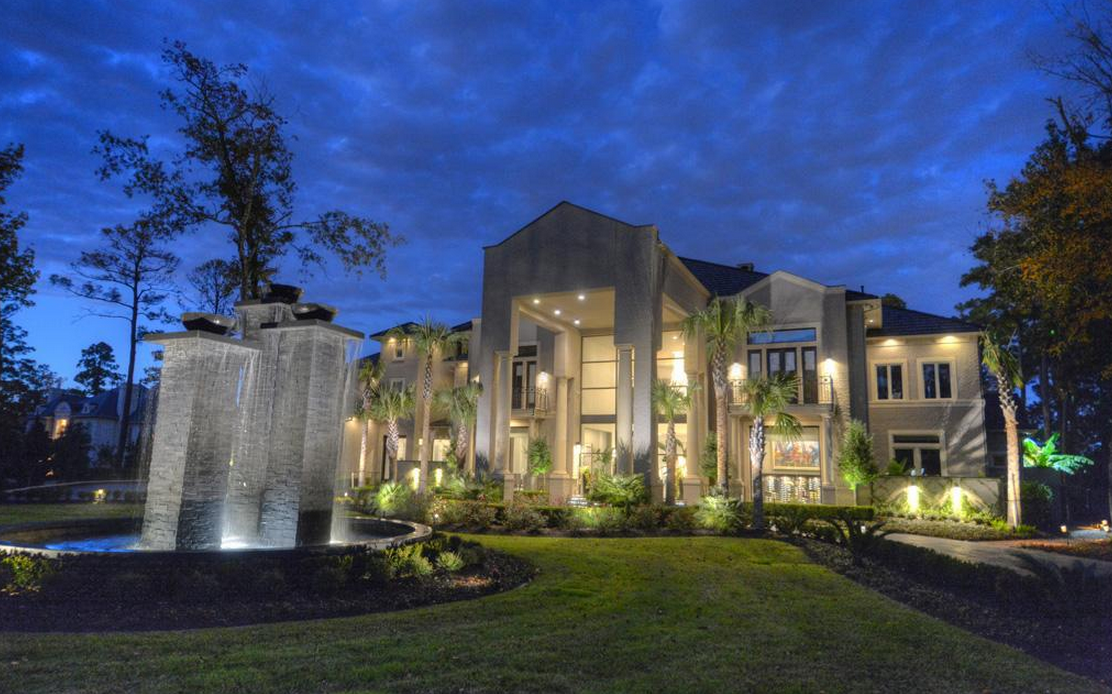 12 9 Million Newly Listed 17 000 Square Foot Mansion In The Woodlands Tx Mansions Texas Mansions Mansions Homes