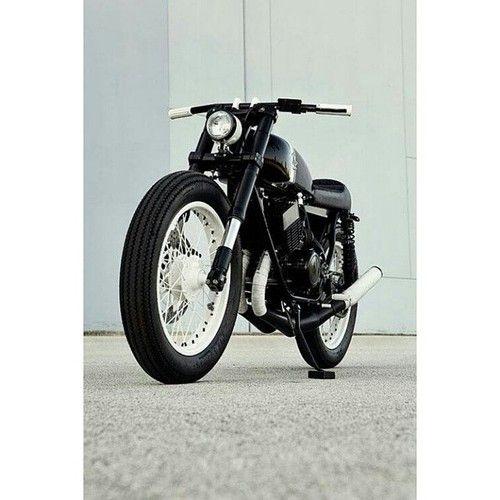 Yamaha rd350 by analog | Bobber Inspiration - Bobbers and Custom Motorcycles | acksmann August 2014