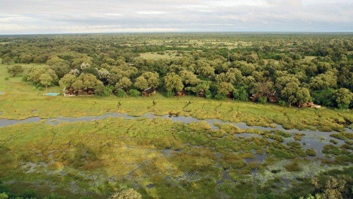 Khwai River Lodge: Khwai River Lodge is a 15-tent game lodge on the edge of Botswana's spectacular Okavango Delta.
