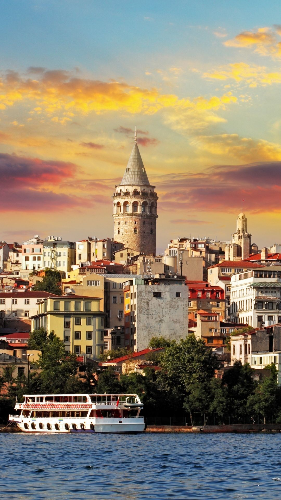 Istanbul Turkey Sea Buildings IPhone 6 Wallpaper