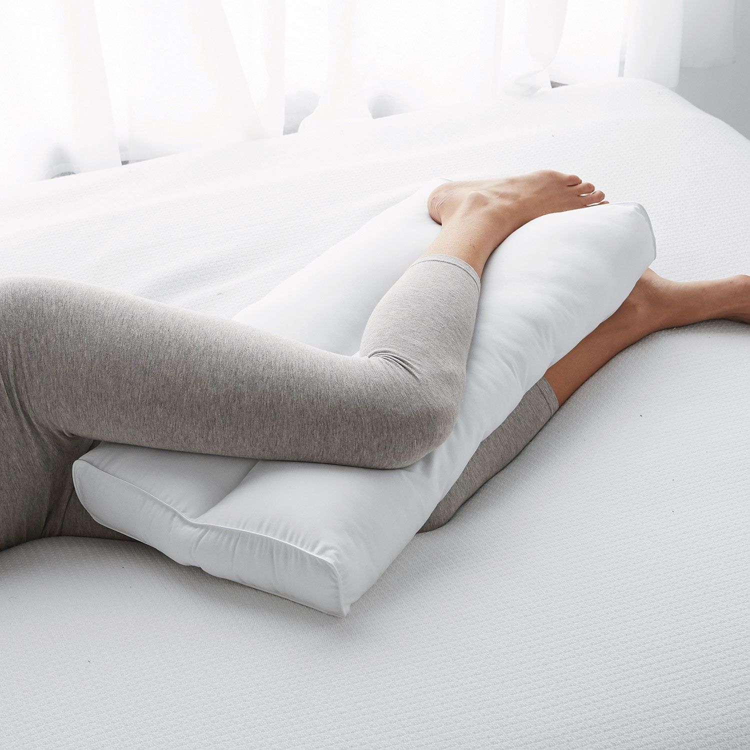 Posture Pillows Knee Leg Pillow The Company Store In 2020 With Images Leg Pillow