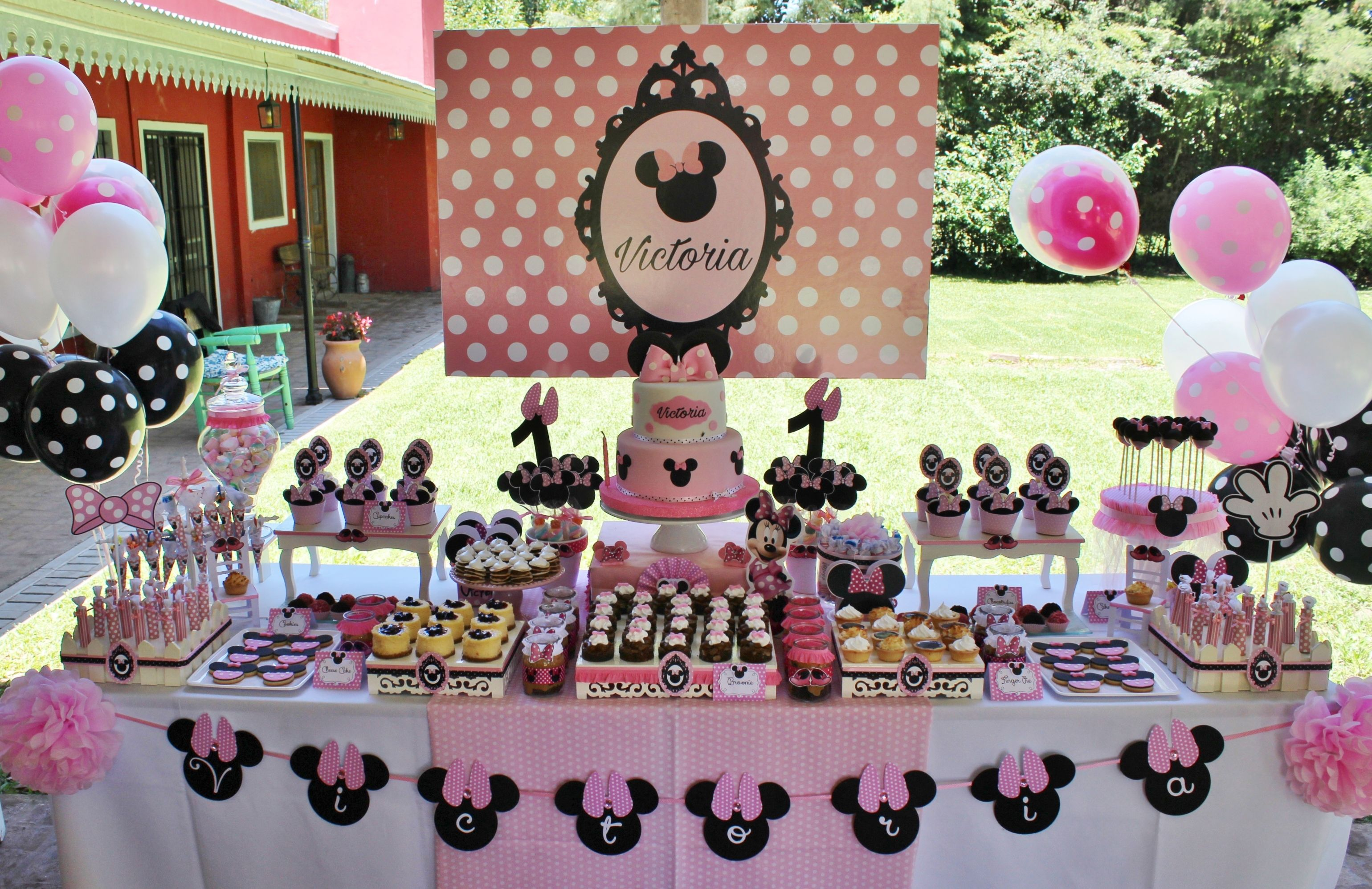 Minnie Mouse In Rose Candy Bar Violeta Glace Candy Bar