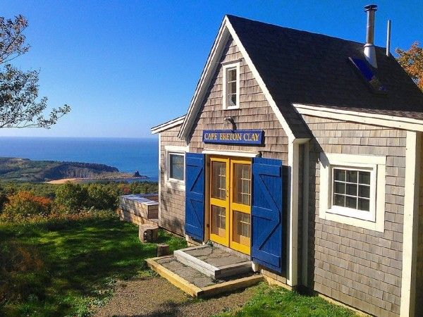 Superb 605 Sq Ft Beach Cottage In Cape Breton Island Tiny Homes Beutiful Home Inspiration Ommitmahrainfo